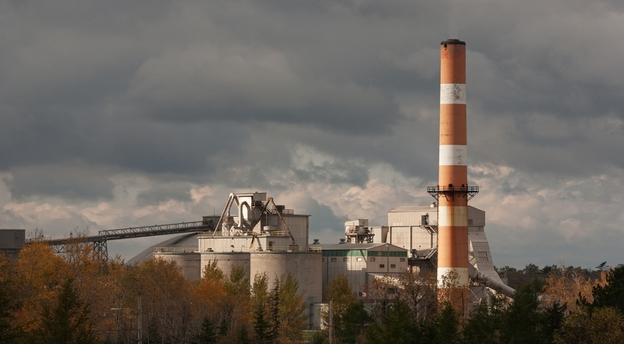 Fabrica de ciment a Lafarge de la Medgidia are acces prin operatorul portuar Sicim din Constanța la Marea Neagră și este ideal poziționată pentru export. Sursă foto: Lafarge.