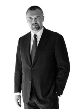 Andrei Burz - Pînzaru, partener al firmei de avocatură Reff & Asociații și coordonator al practicii de drept bancar și piețe de capital