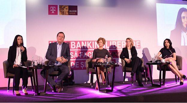 Miroslav Majoros, Directorul General al Telekom România (al doilea de la stânga la dreapta), Celina Waleskiewicz, Director General Adjunct Alior Bank (a treia de la stânga la dreapta) și Claudia Butac, Director General al sucursalei Alior Bank din București (prima de la dreapta la stânga)  la lansarea platformei Telekom Banking. Sursă foto: Telekom România.