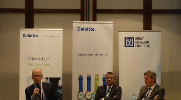 Ludwik Sobolewski, Directorul general al BVB (stânga), Ahmed Hassan, Managing Partner Deloitte România (centru) și Peter Jansen, membru în Consiliul de administrație al Romgaz (dreapta). Sursă foto: Deloitte.