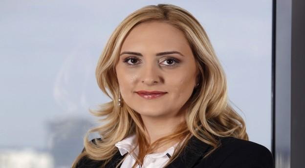 Ioana Țălnaru intră în eșalonul de parteneri globali ai biroului Clifford Chance din București. Sursă foto: Clifford Chance.